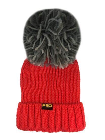 succeed chucnky bobble hat